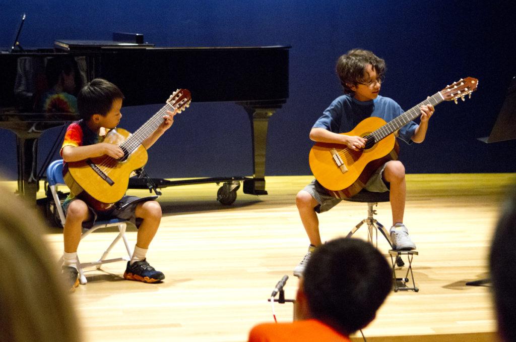 Suzuki Student in lesson